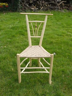 Fanned Knotty Tri-Spindle Gentleman's Chair